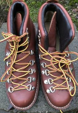 Danner Mountain Light Red Hiking Boots. Size Men's 5, Woma